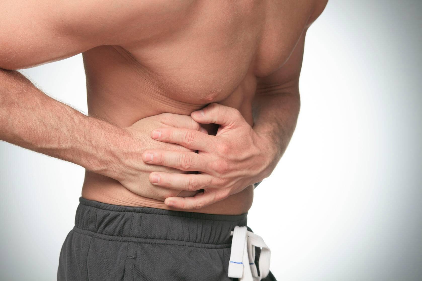 При сильном кашле болит правый бок под ребрами