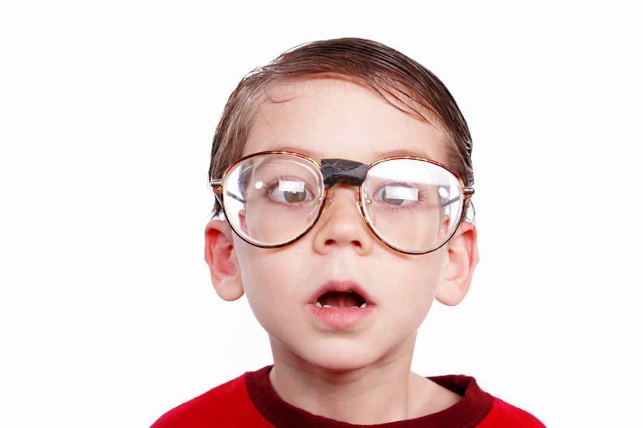 С какого возраста можно носить линзы детям - советы офтальмолога