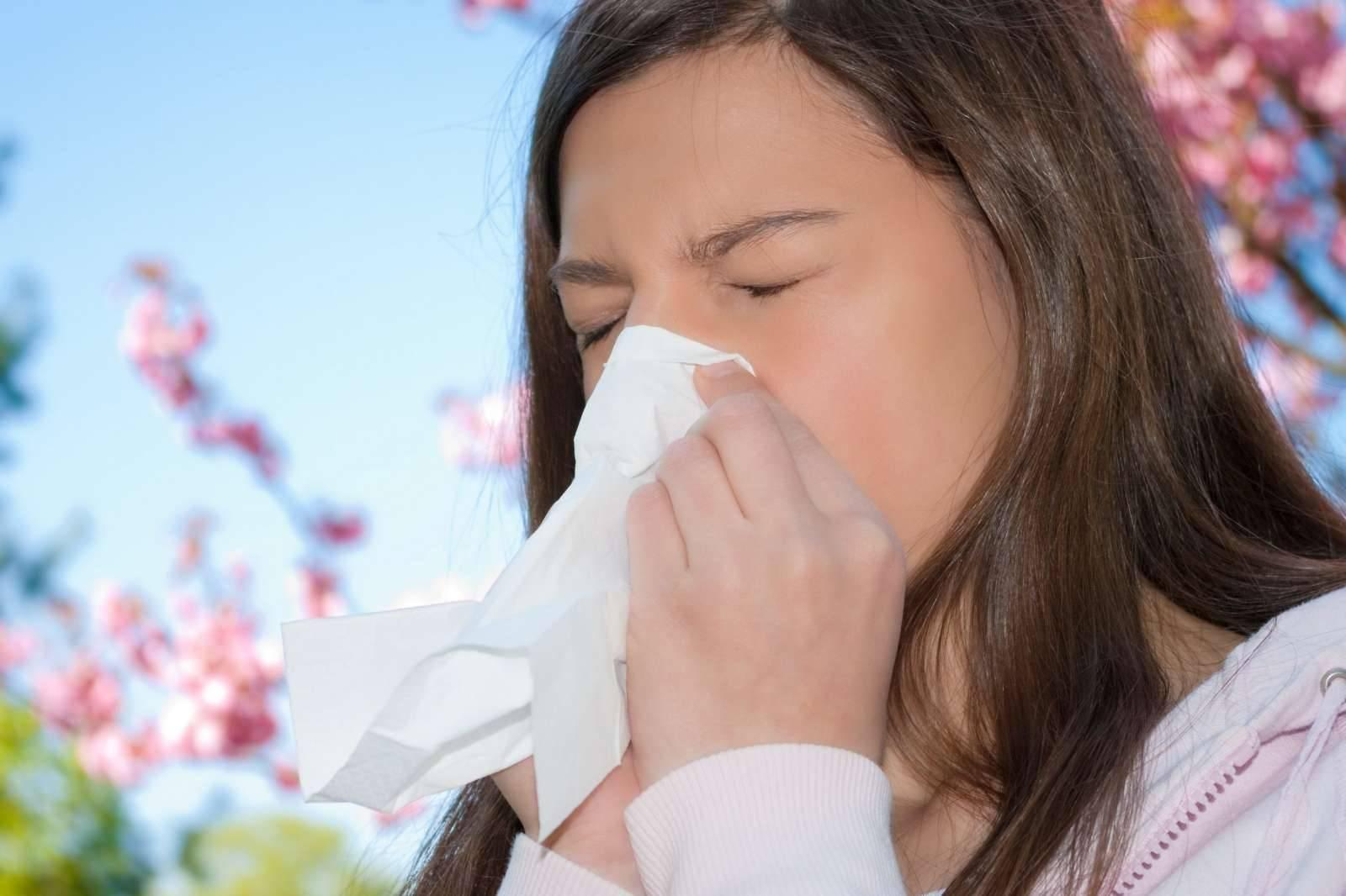У ребенка заложен нос держится температура 37 2