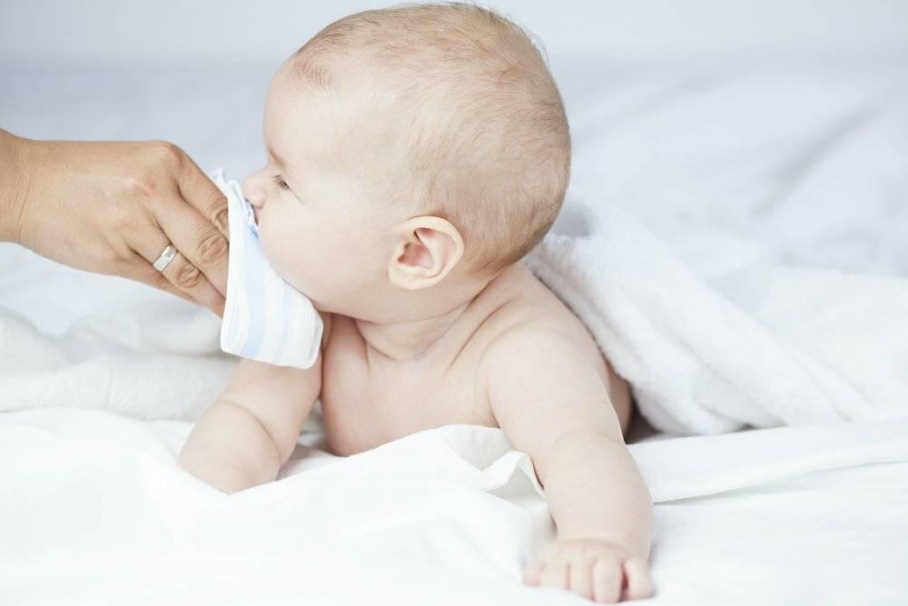 желтые сопли у новорожденного