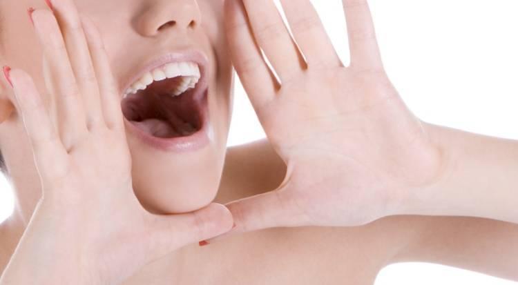 Осиплость голоса без боли: причины и лечение хрипоты у взрослых