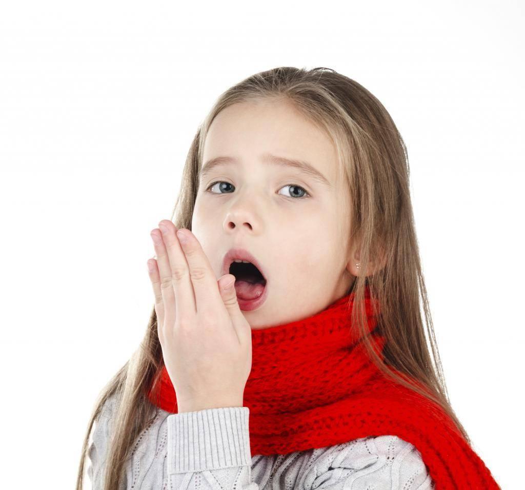у ребенка болит горло и кашель