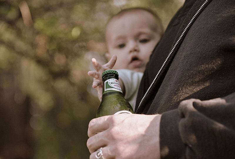 Алкоголизм у женщин, детей и подростков