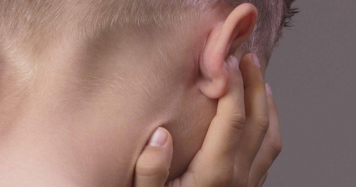 запах за ушами у взрослых лечение