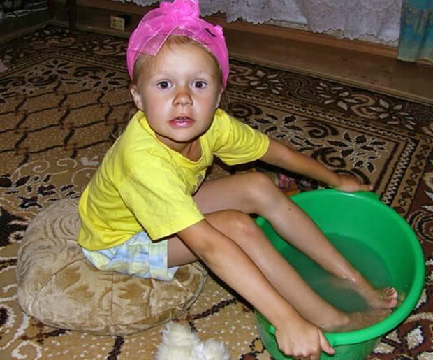 Лечим ребенка ножными ванночками