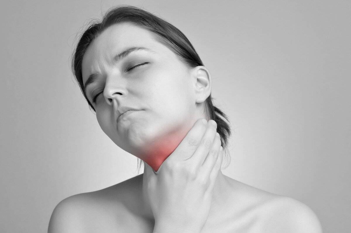 Ощущение сухости в горле – почему возникает и как устранить?