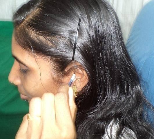 Чем лечить ухо когда течет и чешется