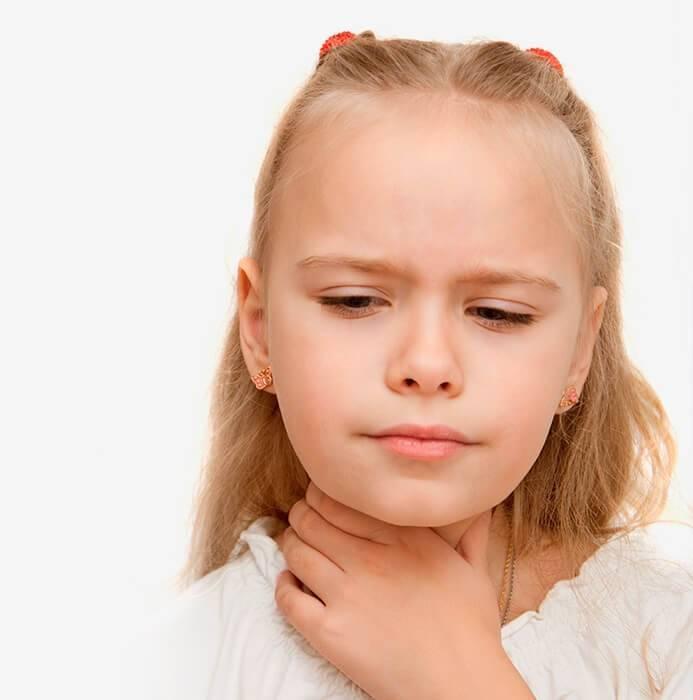 У ребенка после соплей хрипит горло
