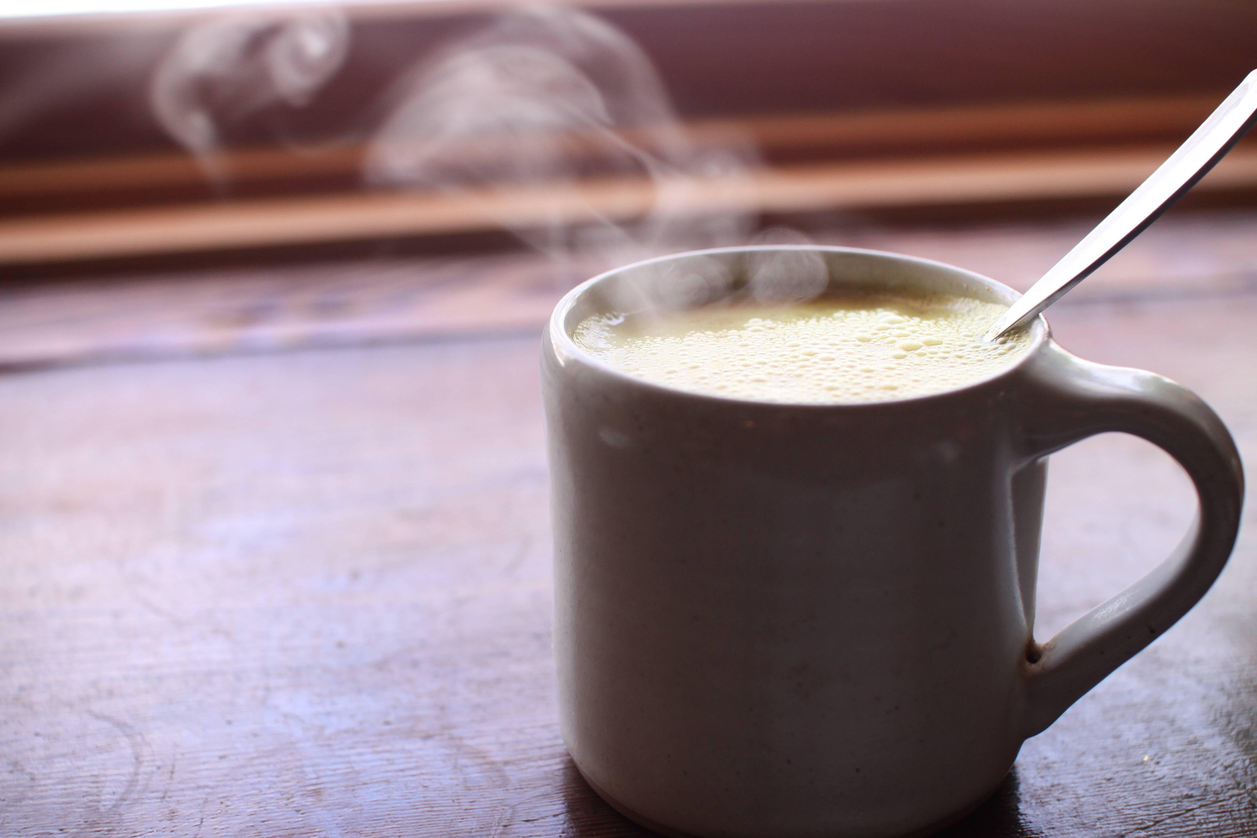 Можно ли пить молоко при ангине?