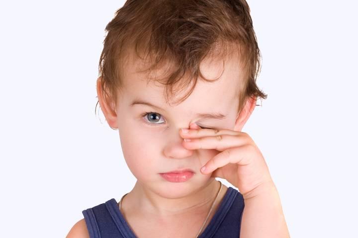 Глаза красные: что делать? глаза красные у ребенка: лечение