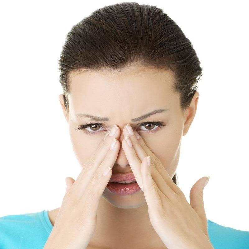Боль в лобной части головы во время насморка