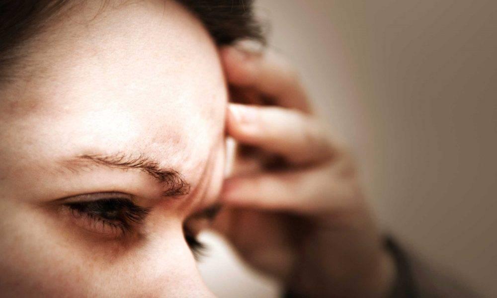 Почему давит на глаза и они болят