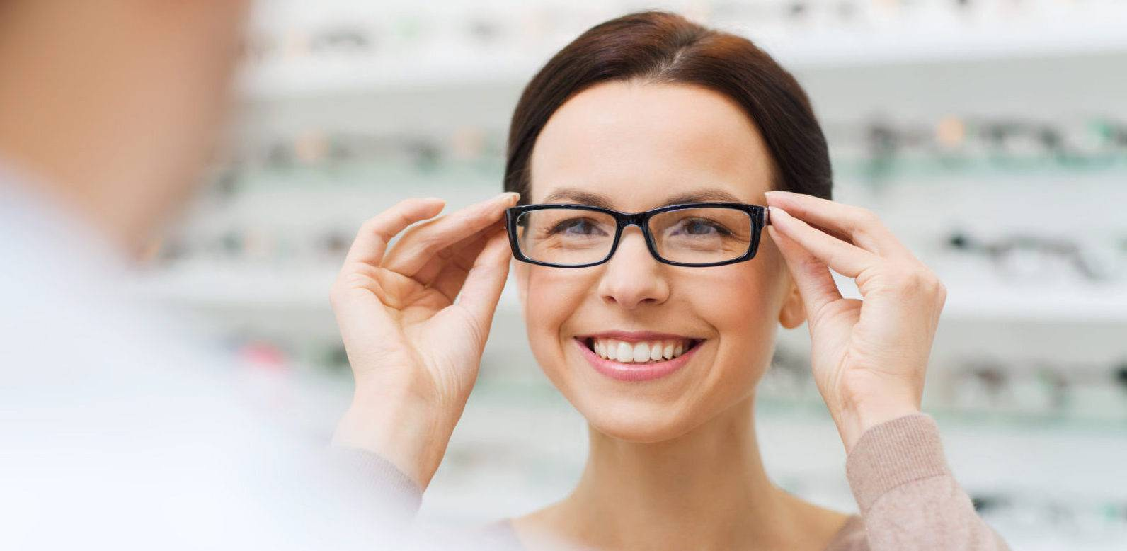 Подбор очков для зрения: проверка, разный уровень, коррекции и правила