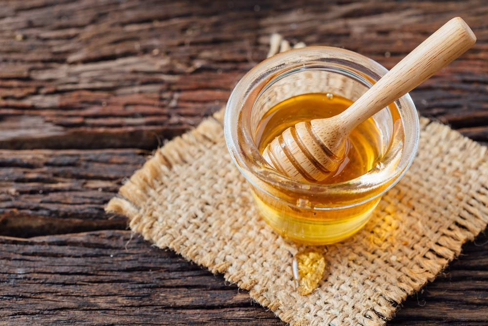 Лечение глаз мёдом и яйцом