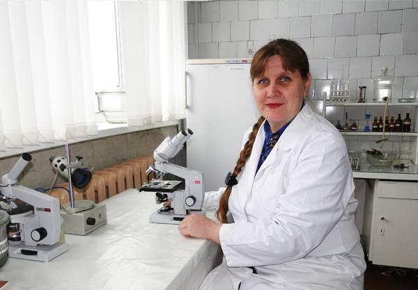 Какой врач лечит от глистов и паразитов: к кому обращаться?