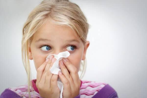 чем лечить зеленые сопли у ребенка комаровский