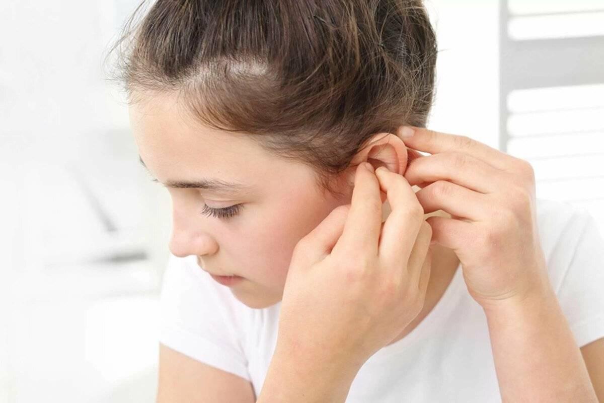 как узнать что у ребенка болит ухо