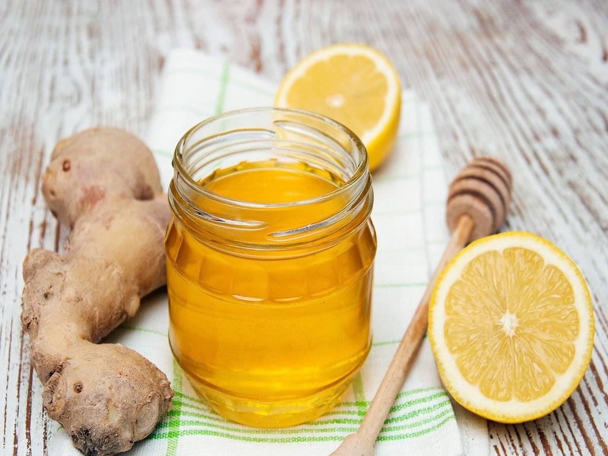 Используем мед при боли в горле